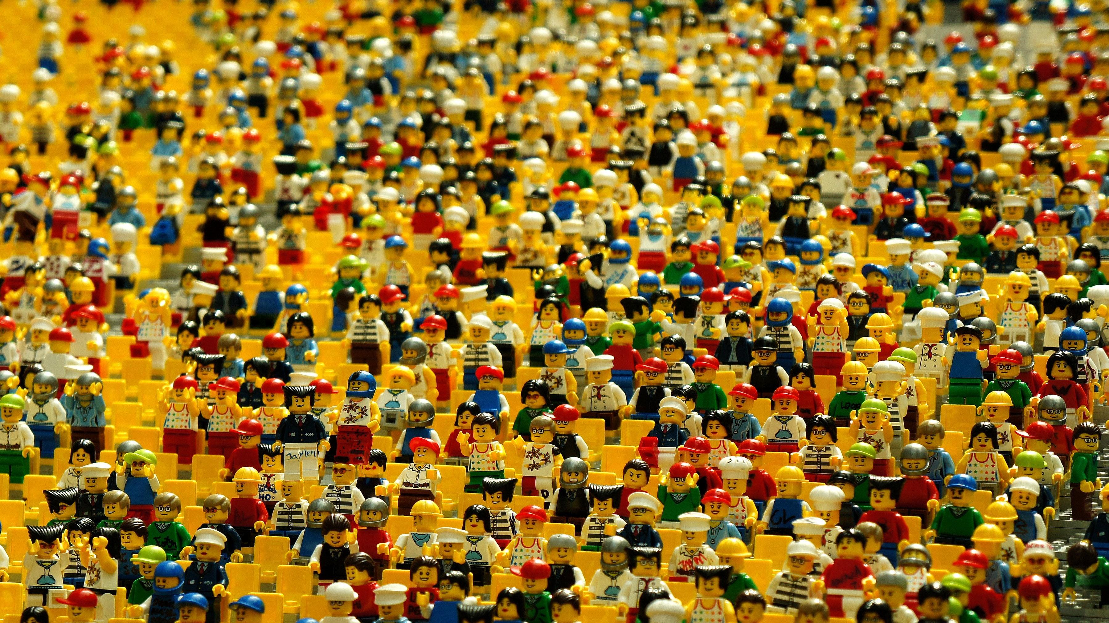 Sea of unidentified lego people